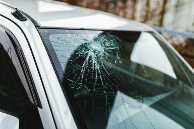 車の運転・交通事故に関する英語表現